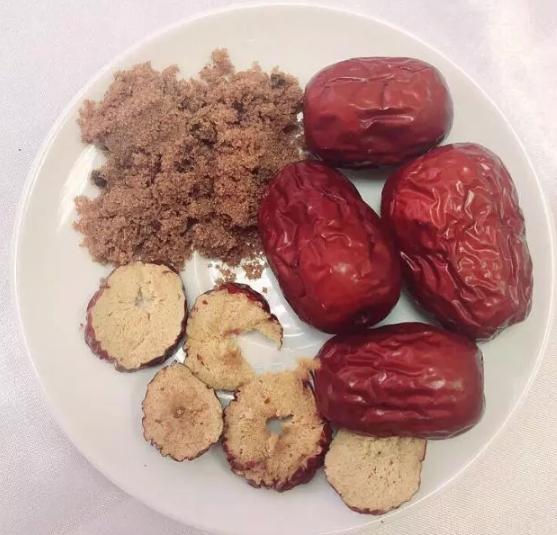 山楂、红枣、红糖