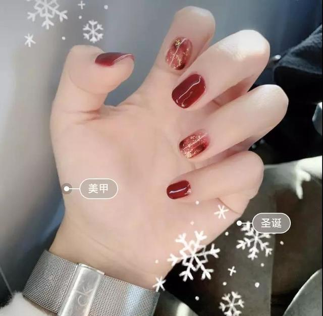 圣诞红色美甲