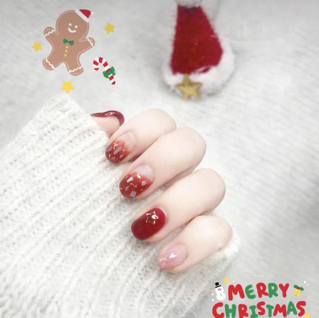 复古红色系圣诞美甲